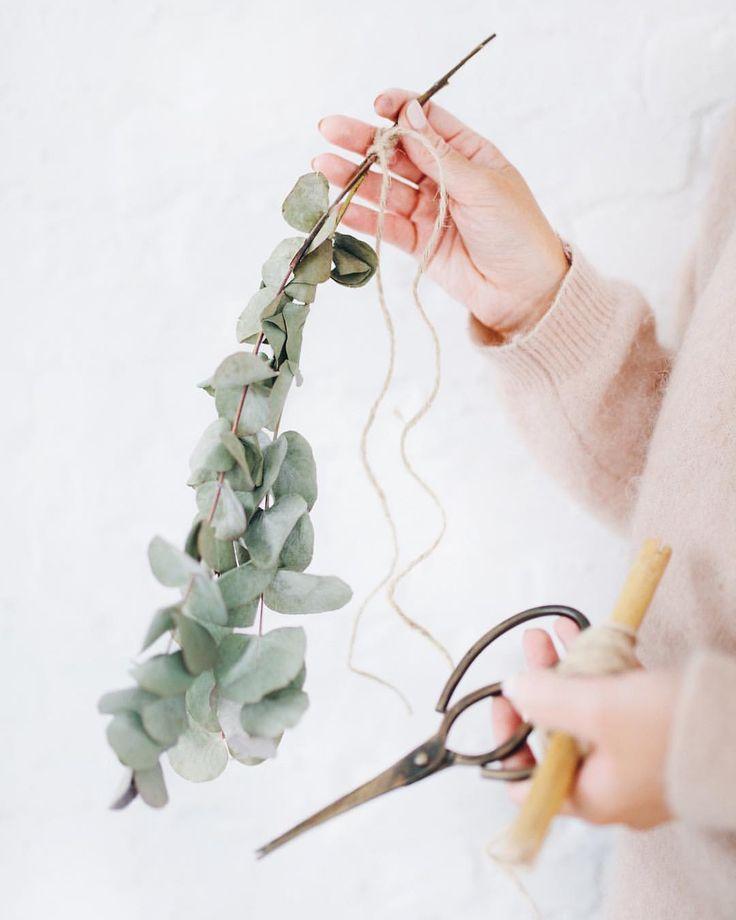 381 vind-ik-leuks, 12 reacties - Anne-Catherine Gerets (@annecatherine_cloclo) op Instagram: 'Hello, December. Make my wishes come true. 🌲 Welke dromen willen jullie nog realiseren deze maand?…'