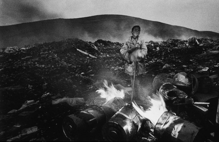 from On the Dump, Romania, 1999 © Jordis Antonia Schlösser