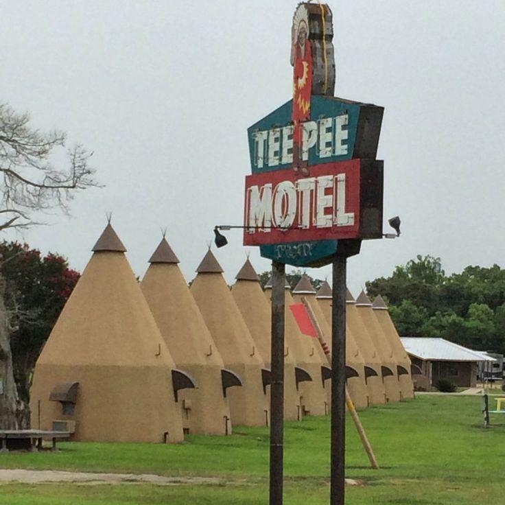 Tee Pee Motel in Wharton, TX #boulderinn