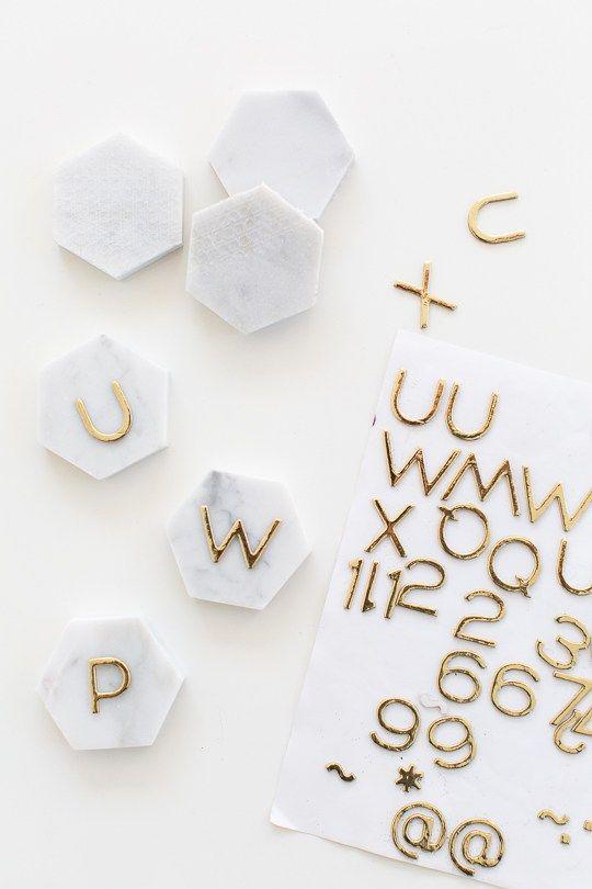 One Minute DIY Carrara Marble Place Cards   Sugar & Cloth