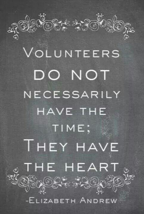 Yo soy el Presidente del Club de voluntarios. Yo ayudar a los jóvenes construir la comunidad y voluntario.