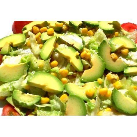 Ensalada de maíz a la parrilla con tomates #Receta Al colocar las mazorcas de maíz a la parrilla ...