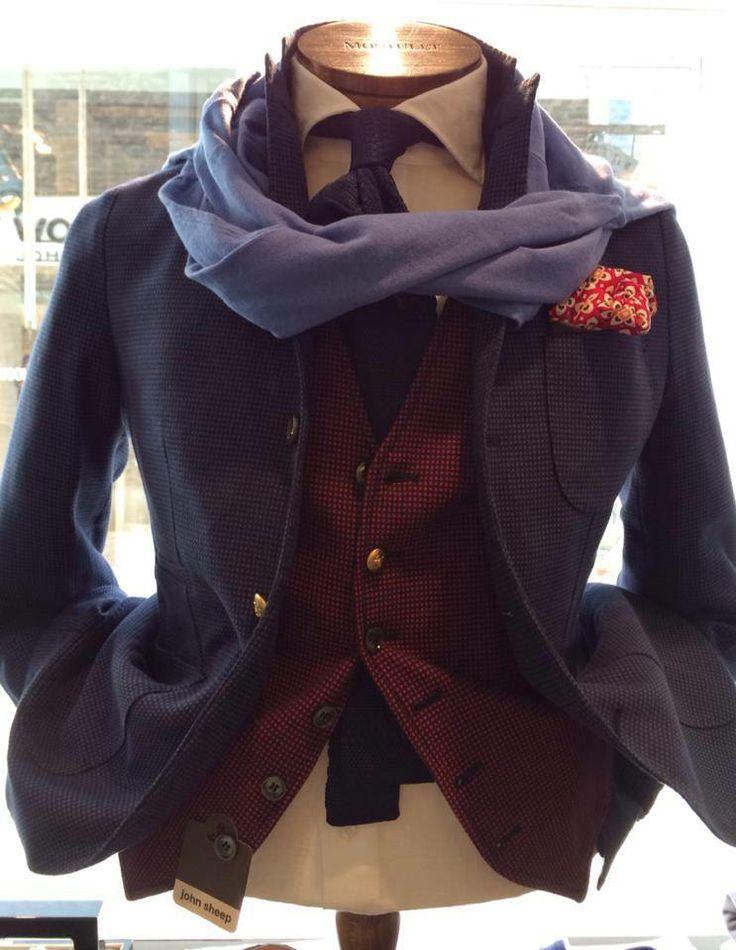 Jacket and gilet: John Sheep  - Pochette: Altea - Shirt: Barba Napoli - Sweater: Polo Ralph Lauren - Souce: Montulet International BV