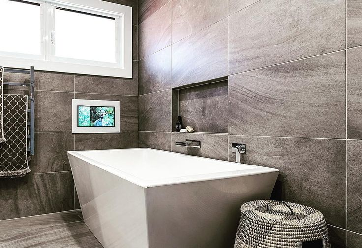 Luxury bathroom Idea. Watch TV whilst in bath ✅ #bathroomrenovation #luxurybathroom #luxurybathrooms #luxuryliving #bathtub #tvbath
