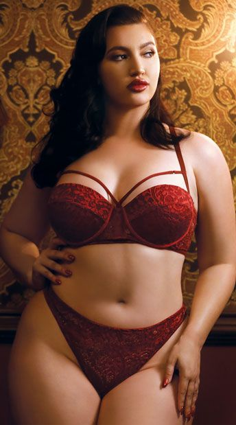 This classically sexy plus size bra set features push-up 58fbaf284