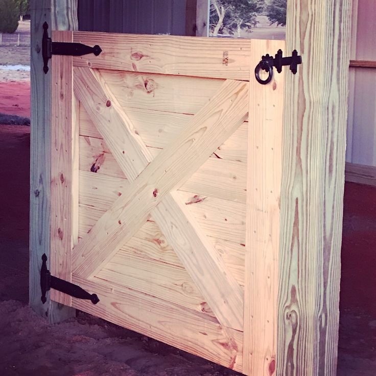 Barn interior is officially started and hubby knocked out the first dutch door today, loving the boards behind being horizontal in lieu of vertical, can wait to do the sides and get a feel for how my modified twist on European stall fronts are going to look! :) and did I mention the hardware??!?