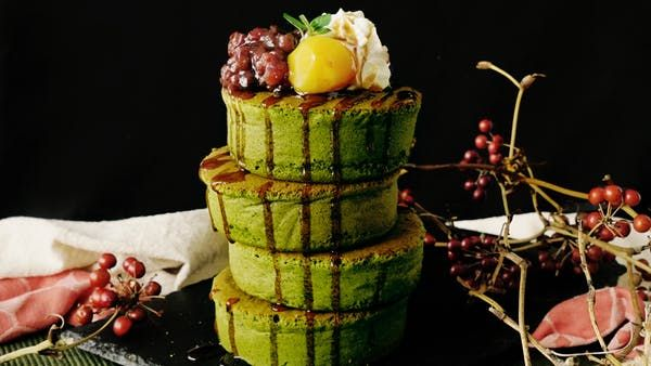 Recipe with video instructions: A cross between breakfast and dessert, these sweet pancakes are seriously fluffy. Ingredients: Meringue:, 3 egg whties, 30 grams sugar, Egg yolk batter:, 3 egg yolks, 20 grams sugar, 120cc milk, 30 milliliters oil, 150 grams pancake mix, 15 grams matcha powder, Toppings:, Anko (sweetened adzuki bean paste), Candied chestnuts, Whipped cream, Kuromitsu (Japanese black sugar syrup), Mint