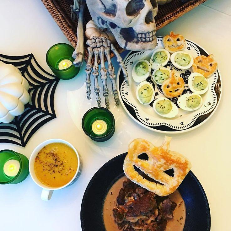 HAPPY YUMMY HALLOWEEN! 🎃💚🎃💚🎃💚 #halloween 🎃 💚 🎃 アボガド入りデビルドエッグ ハッシュドビーフ かぼちゃのクリームスープ パイ生地かぼちゃ🎃