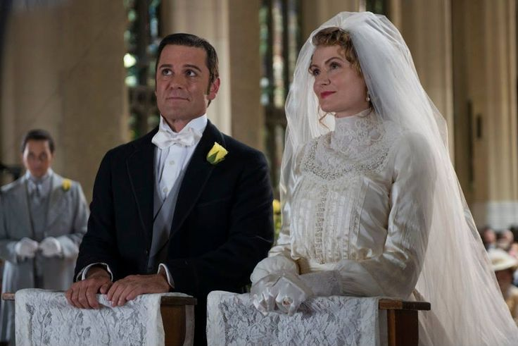 Murdoch and Julia at the altar