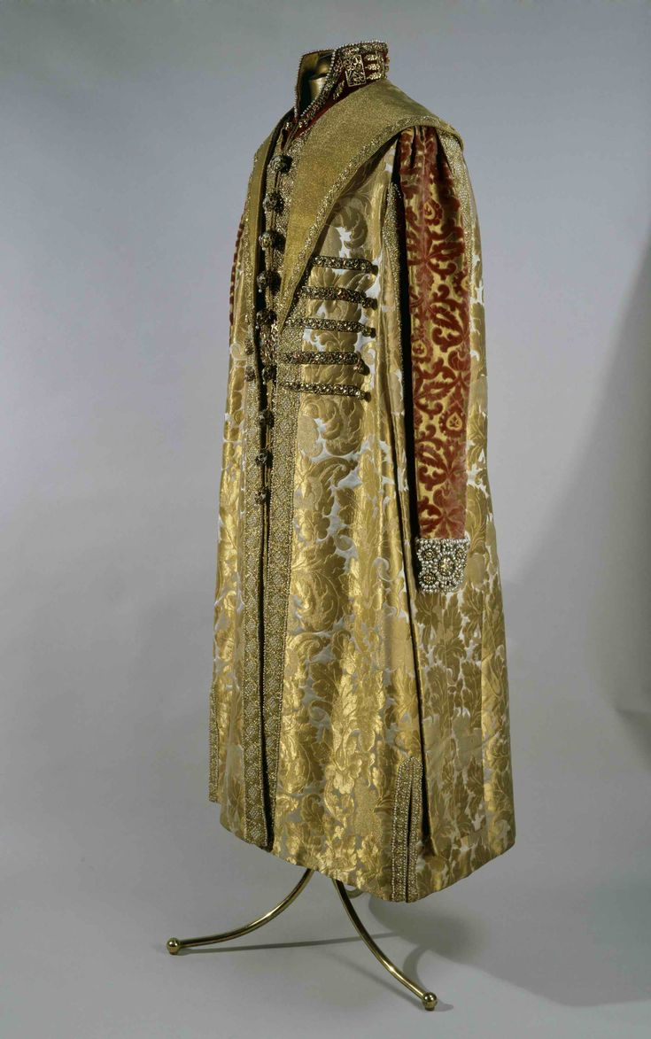 Side view of the masquerade Suit. Moscow, 1903. Studs, buttons - Constantinople, the second half of the XVIIth century. Brocade, velvet, satin, gold, gems, pearls; weaving, embroidery, enamel. Belonged to Tsar Nikolas II.