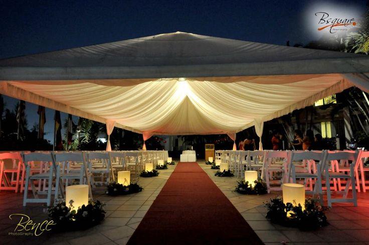 Canopy / Toldo para ceremonia con folding chairs todo de Bsquare Rentals El Salvador