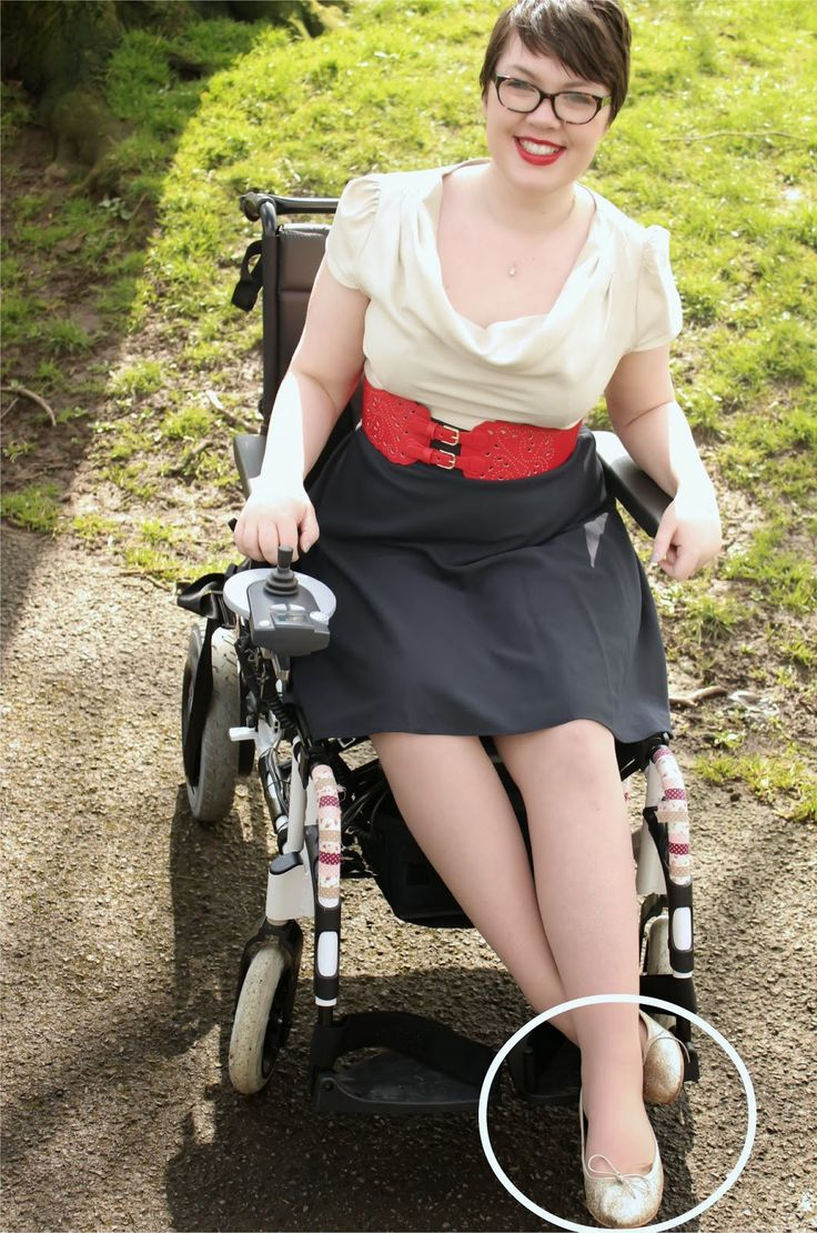 Wheelingalong24: Photography Tips: How to pose in a wheelchair
