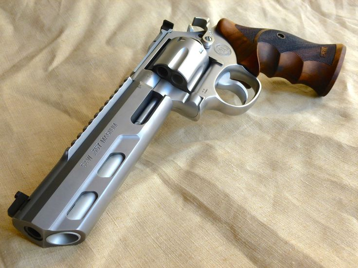 Smith & Wesson 627 Hunter  Performance Center .357 Magnum