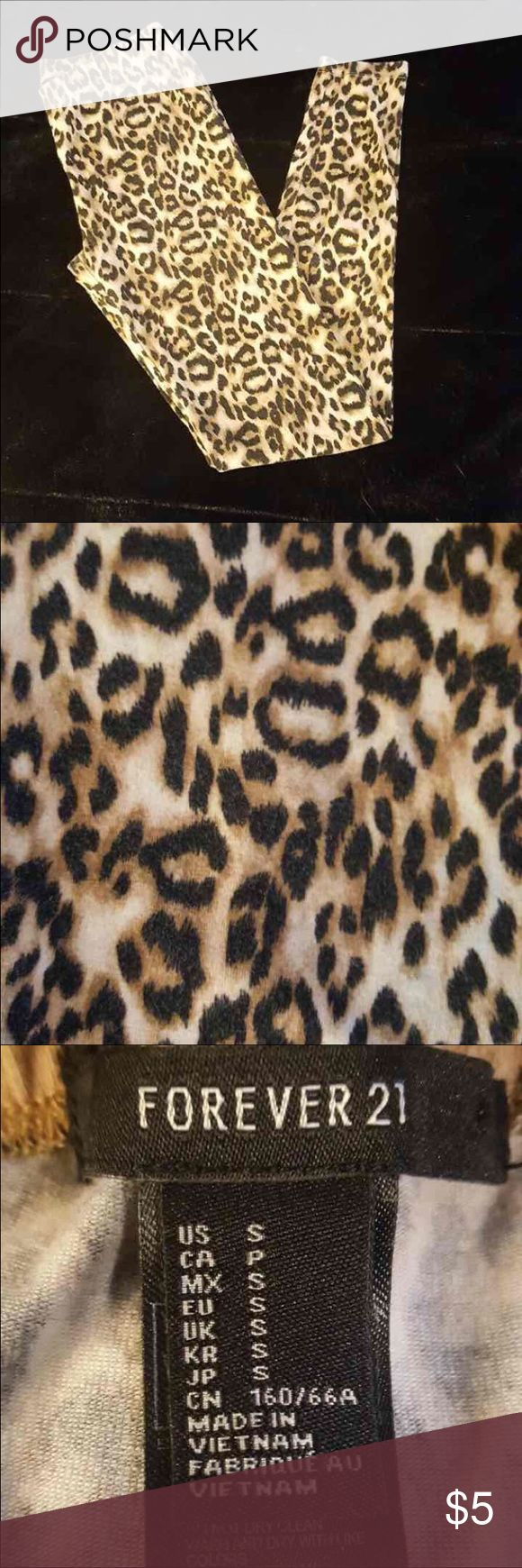 Sz Small Forever 21 Cheetah Leggings Look fierce and fabulous in these cheetah leggings! Forever 21 Pants Leggings
