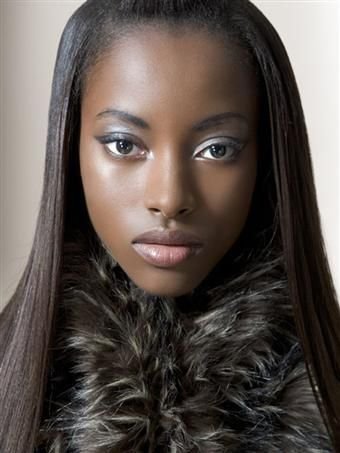 Model Debbie Ogunlana
