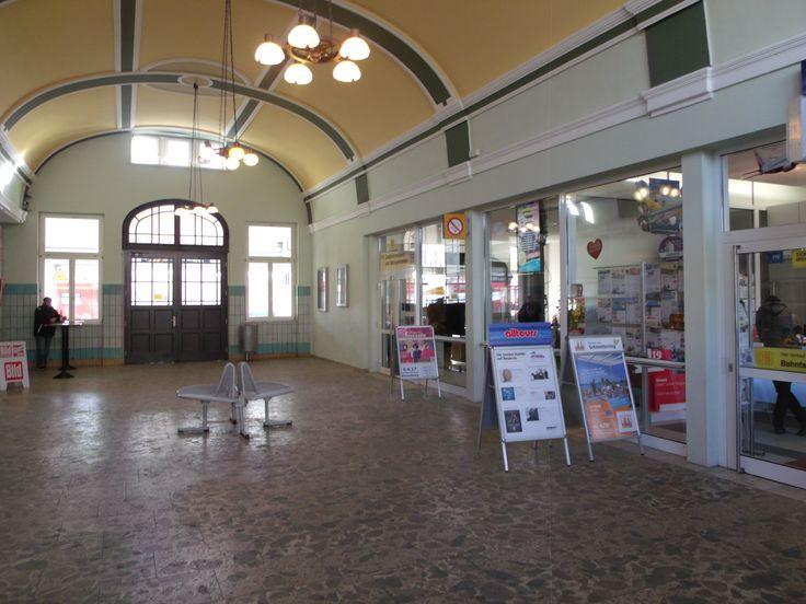 Die Bahnhofshalle im Sonneberger Bahnhof.