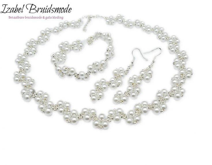 Bruids sieraden set met parels zilverkleurig/Bridal jewerly set with faux Pearls silver color