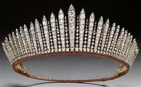 Russian Fringe diamond tiara worn by Queen Mary, Queen Elizabeth II, and Princess Anne
