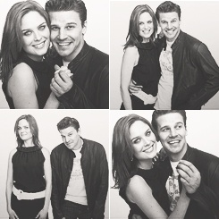 AHHH SO CUTE Emily Deschanel and David Boreanaz