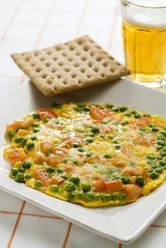 Omelette con queso, tomate y arvejas es una receta original, practica y RIQUISIMA!!