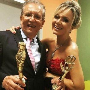 Eliana diz que Silvio Santos sabia de sua gravidez antes de anunciar na TV #AdrianoRicco, #Apresentadora, #Diretor, #Eliana, #Famosos, #Gente, #Gravidez, #M, #Nostalgia, #Noticias, #Novidade, #Popzone, #Programa, #QUem, #SilvioSantos, #Sucesso, #Tv http://popzone.tv/2017/04/eliana-diz-que-silvio-santos-sabia-de-sua-gravidez-antes-de-anunciar-na-tv.html