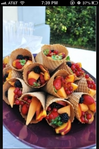 Creative food ! cool idea when lots of kids in the summer  scoop an go  no dishes and fun to eat for the kids