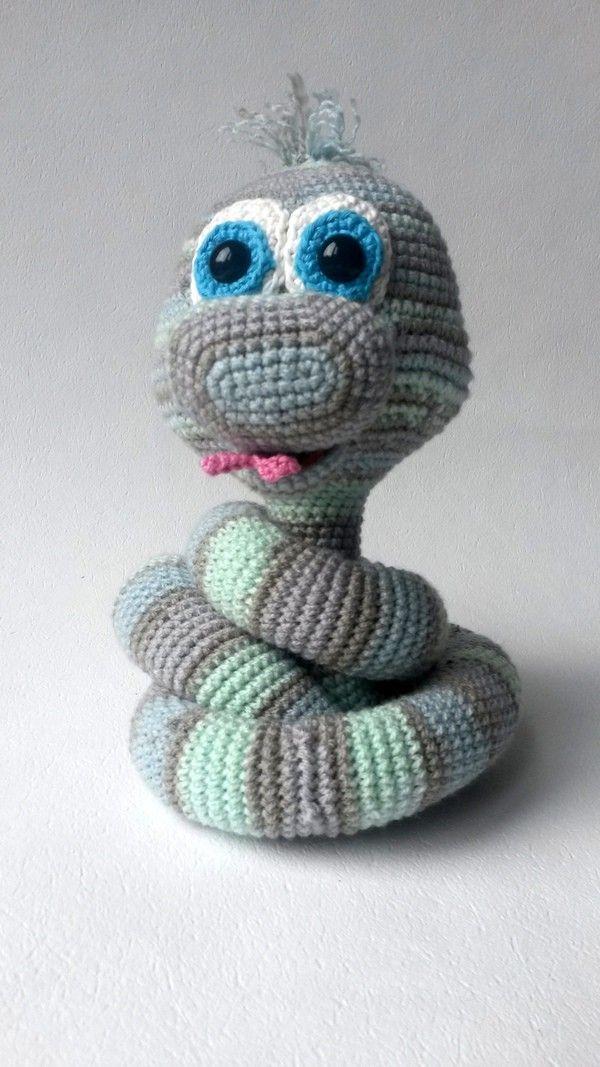 Amigurumi Doll Anleitung : 17 Best images about amigurumi on Pinterest Free pattern ...
