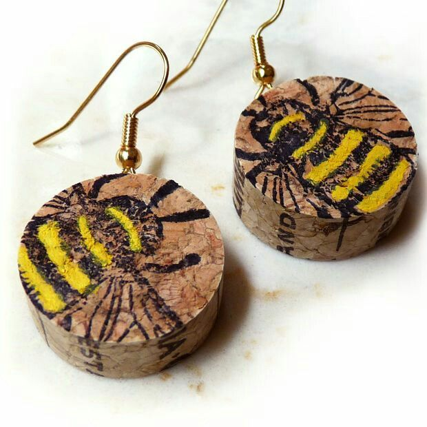 Wine cork earrings with bee stamp