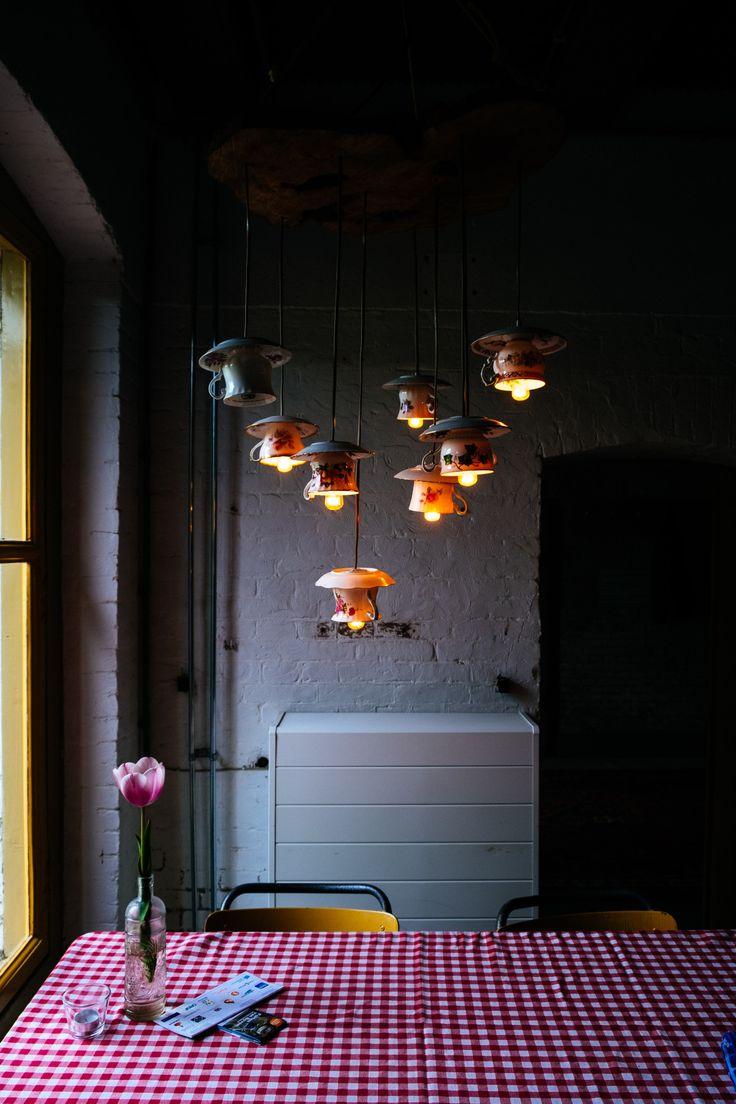 pretty lights- vintage teacups- vinage theekopjes- diy lamp- light- fort nieuwersluis- http://www.mylucie.com