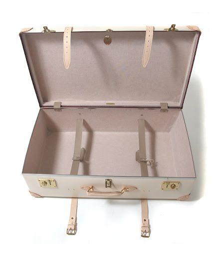 note to self - luggage: Vintage Items, Vintage Suitcases, Vintage Wardrobe, Schools Suitca, Handbags Collection, Travel Style, Pretty Suitca, Suitca Bride, Leather Suitca