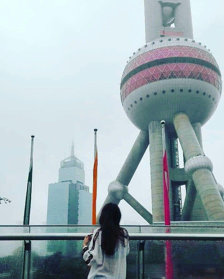 Camasa fermecata a calatorit in China! Viziteaza-ne pagina de facebook si alege-ti camasa favorit: https://www.facebook.com/Patuschinsky