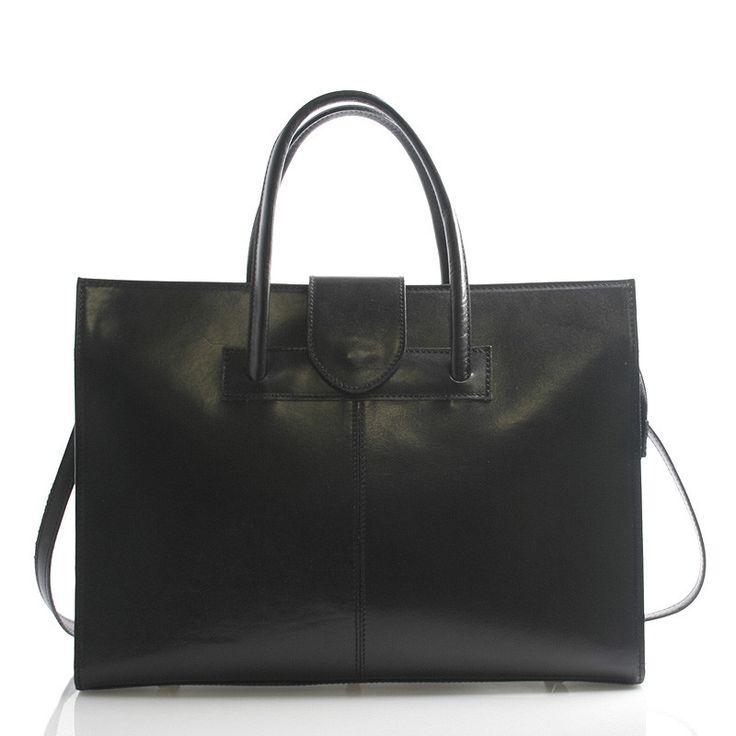 #aktovka #dámy Černá luxusní dámská kožená aktovka - kabelka ItalY. Potřebujete do práce kabelku a zároveň spisovku či aktovku? Kabelka Gabriela je přesně to co hledáte. Nabídne vám spoustu místa na dokumenty či notebook (s max. rozměry 31 x 25 cm), ale ne na úkor designu. Je velice reprezentativní a voňavá kůže ji dodává na luxusu.