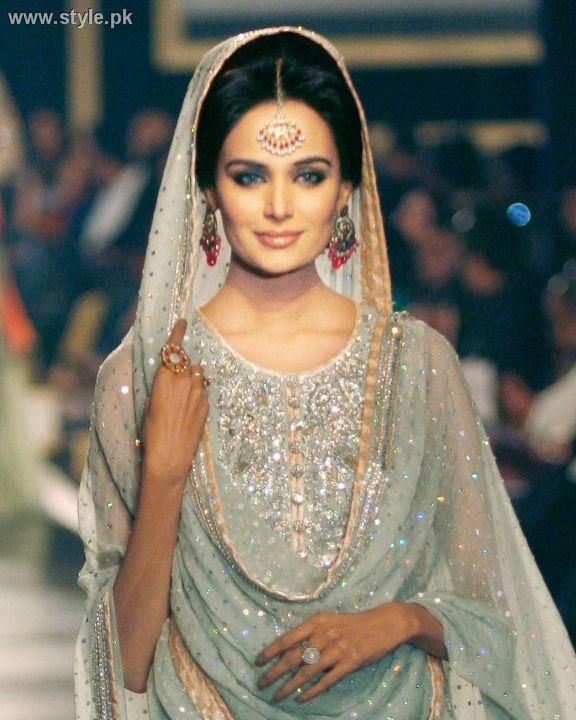 Pakistani women, dresses and weddings are so beautiful, decorative, and lavish.