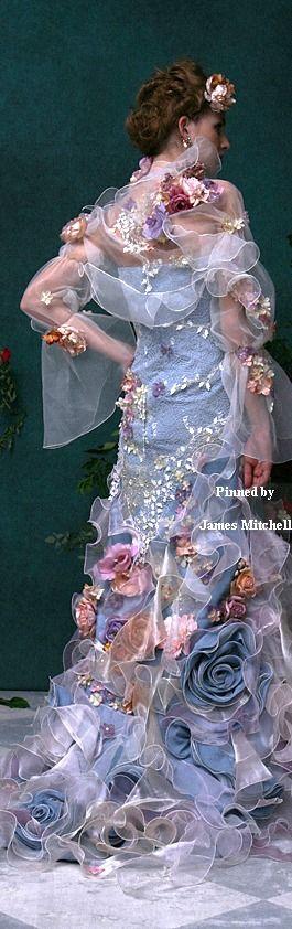 oH mY... pretty flowers cascading -Stella de Libero