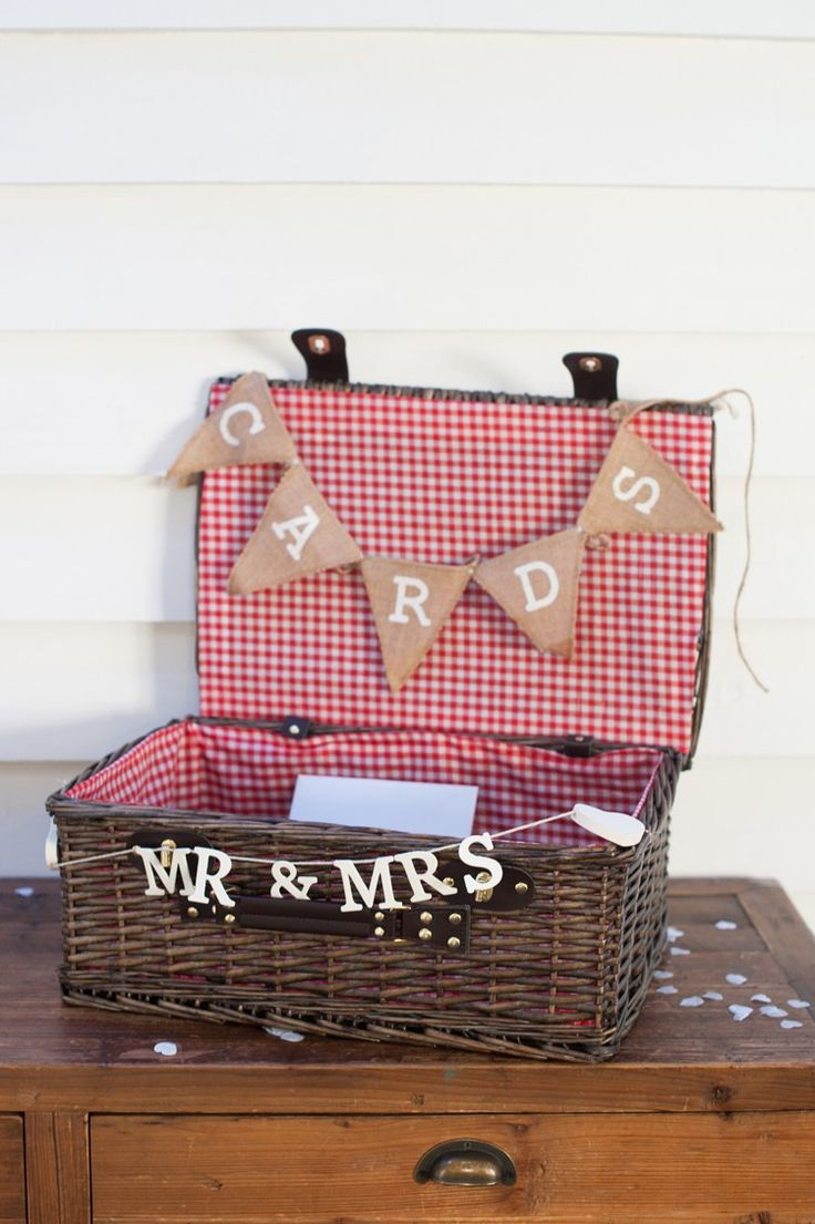 Wedding Hamper on Pinterest Office christmas gifts, Original wedding ...