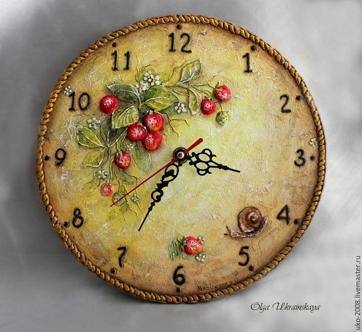 """Купить Часы """"Успеть бы.."""" - ярко-красный, красный, желтый, красный и желтый, плетенка, ягоды"""