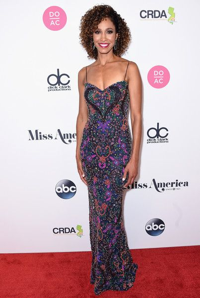 Host Sage Steele attends the 2018 Miss America Competition Red Carpet at Boardwalk Hall Arena on September 10, 2017 in Atlantic City, New Jersey.