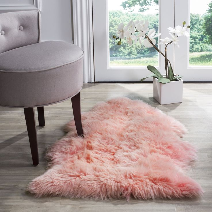 Safavieh Prairie Natural Pelt Sheepskin Wool Solid Pink Shag Rug (2' x 3') (SHS121L-2), Black, Size 2' x 3'