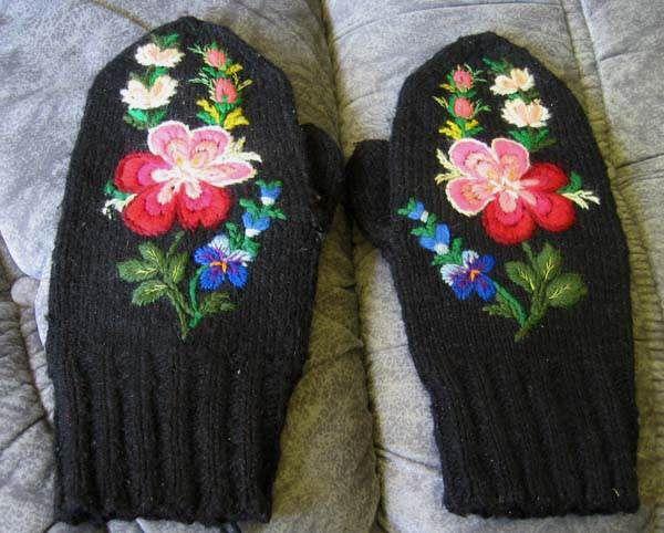 Swedish pair MITTEN wool EMBROIDERY Dala Floda