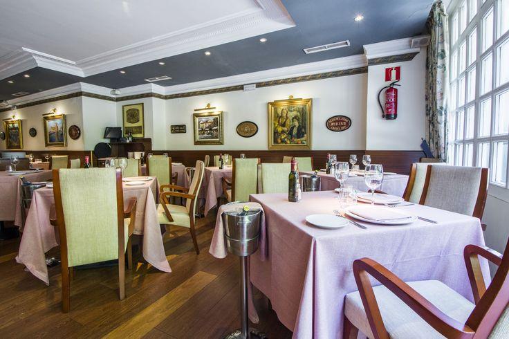 Salón de la parte de arriba del restaurante La Máquina.