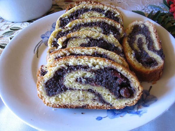 Polish Poppyseed Roll Recipe - Recipe for Polish Poppyseed Roll or Topielec or Drowned Cake