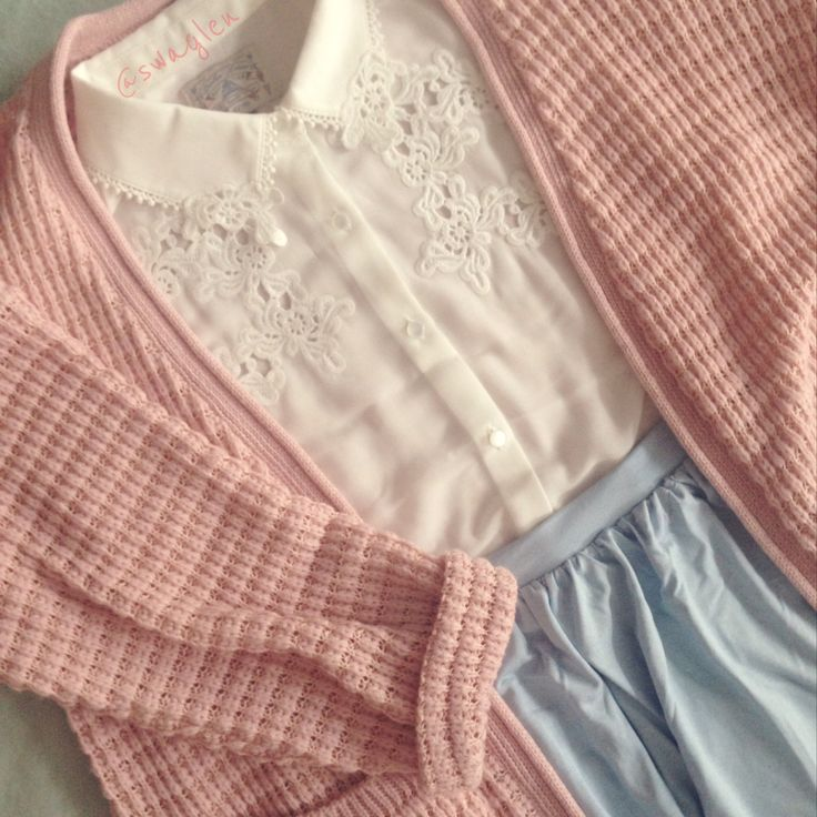 Pastel Lover look here! Omg if I knew where id buy that blouse NOW!