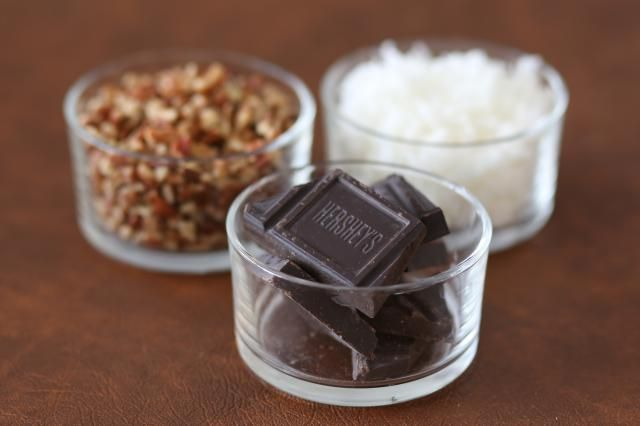 German Chocolate Cheesecake With Coconut Pecan Topping: Ingredients for German Chocolate Cheesecake