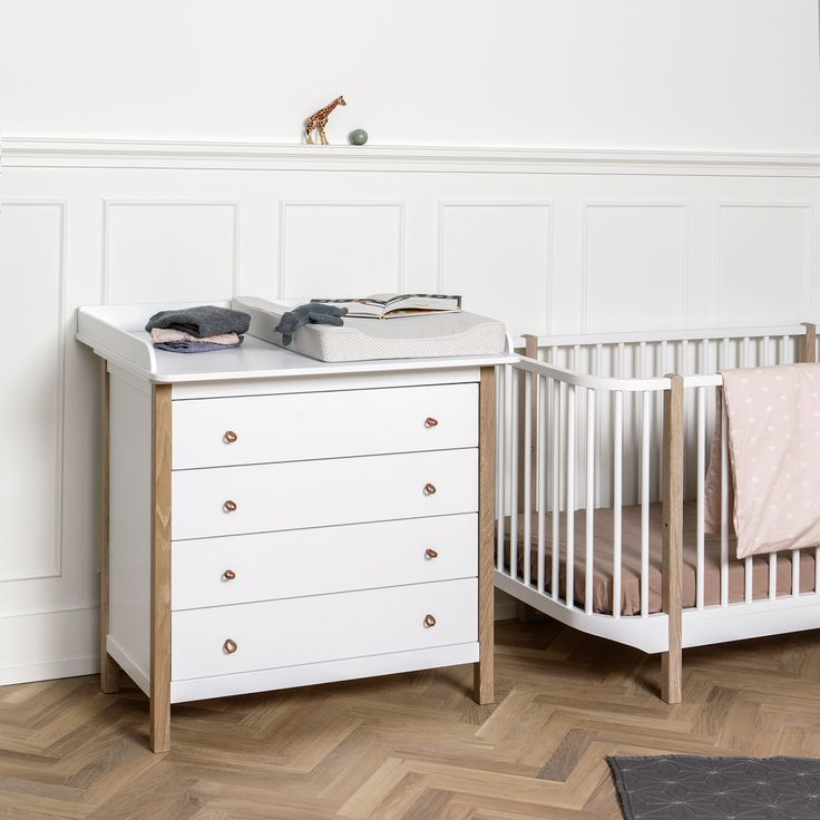 Die Wickelkommode Aus Der Wood Kollektion Von Oliver Furniture Besticht  Durch Das Skandinavische Design In Weiss/Eiche Und Neue Praktische Details .