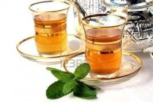 Il tè verde marocchino è un' ottima tisana bruciagrassi, rinfrescante e tonificante. Ideale per resistere allo stress e purificarsi dopo gli eccessi.