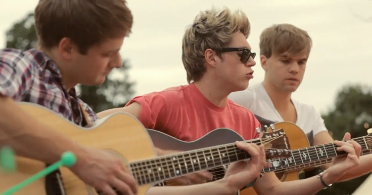 dan, nialler, and sandy in the video! :) sandy's hair looks lighter...?Niall Horan3, Direction Infection, Boys, One Direction, Guitar, We R Young, Music Videos, Directioners 3, Lwwi Screenshot