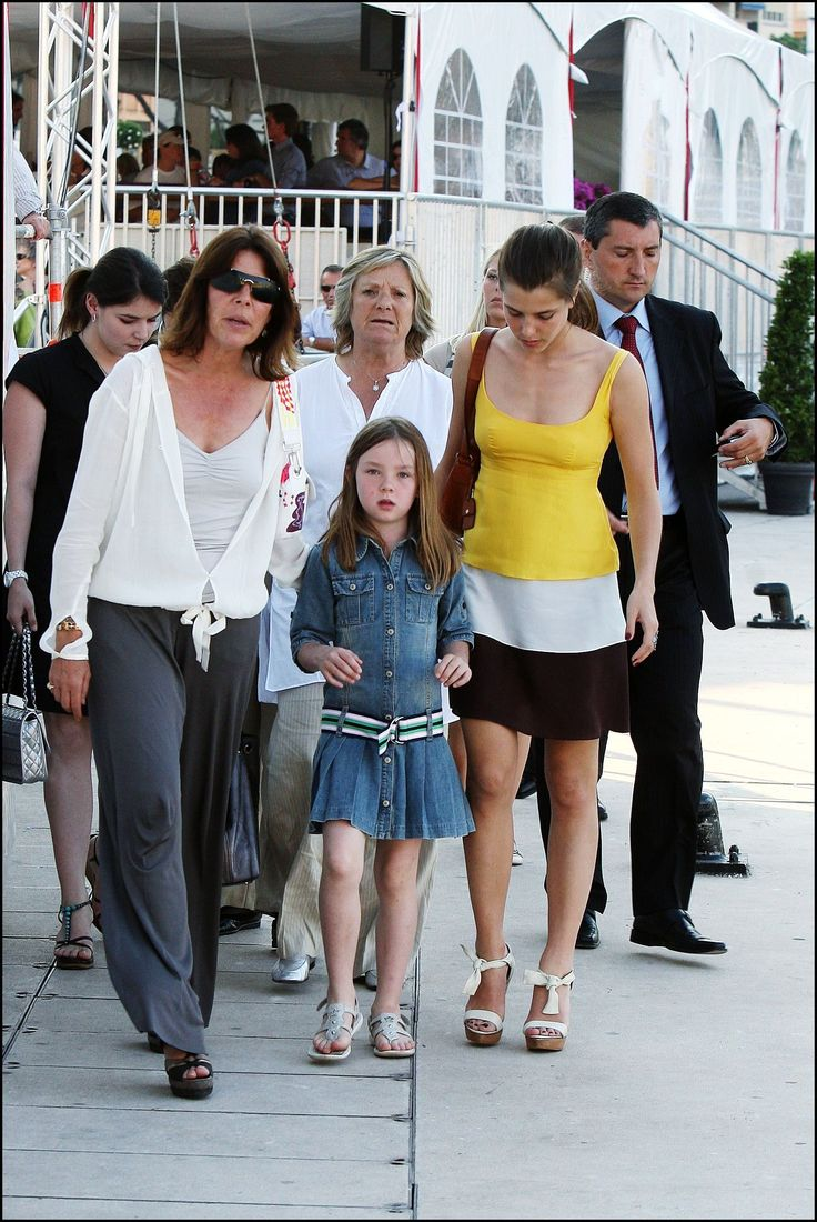 Pin on Charlotte Casiraghi
