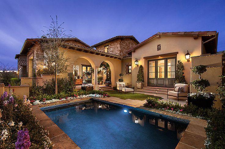 http://www.homeadore.com/wp-content/uploads/2014/05/001-phoenix-residence-camelot-homes.jpg