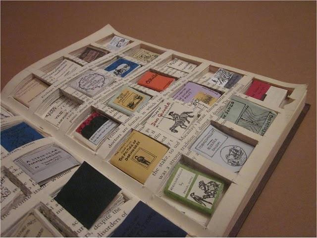 Miniature books.Minis Book, Charles Dickens, 40 Miniatures, Book Inside, E Bi Gum Book, E Reading, Miniatures Book, Artists Interpretation, Altered Book