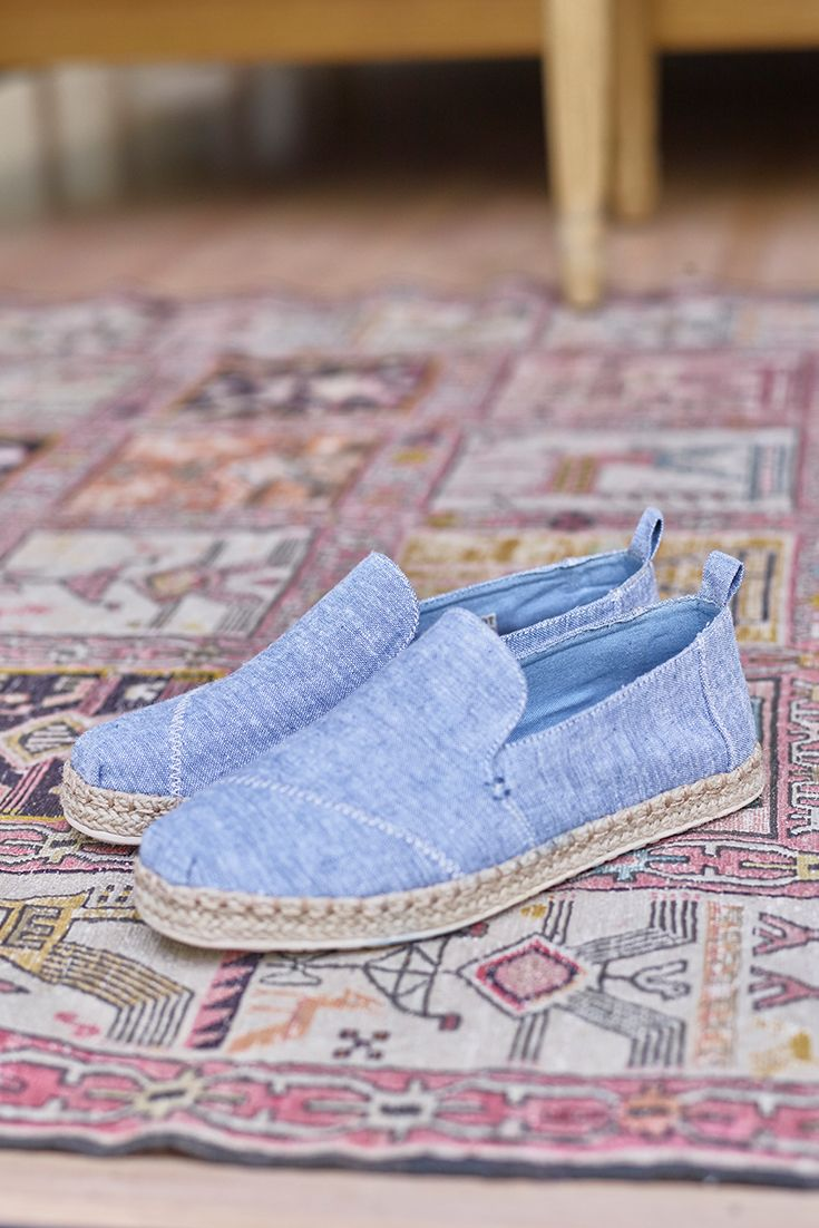 Blue Slub Chambray Women's Deconstructed Alpargata Espadrilles. A raw and fresh take on a TOMS Classic, slip these on for an easy on-the-go shoe.